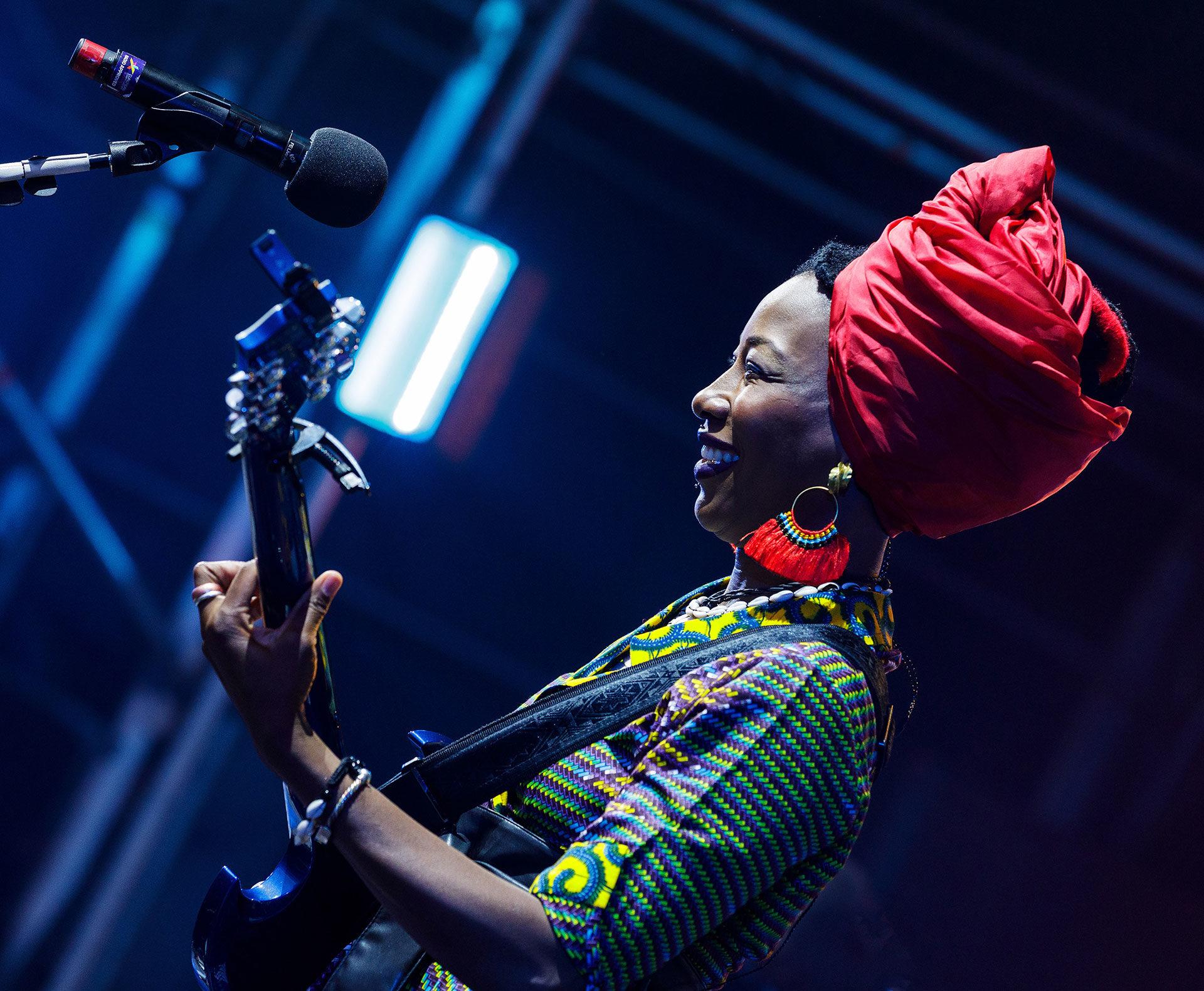 Fatoumata-Diawara-Glasgow-Festival-2018_0159full-res_©Kenny-Mathieson
